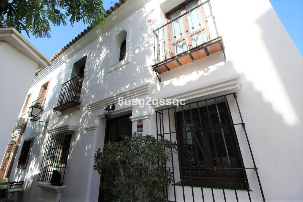 Beautifully decorated 4-bedroom SEMI DETACHED  townhouse in el Campanario. The ground floor contains, Spain