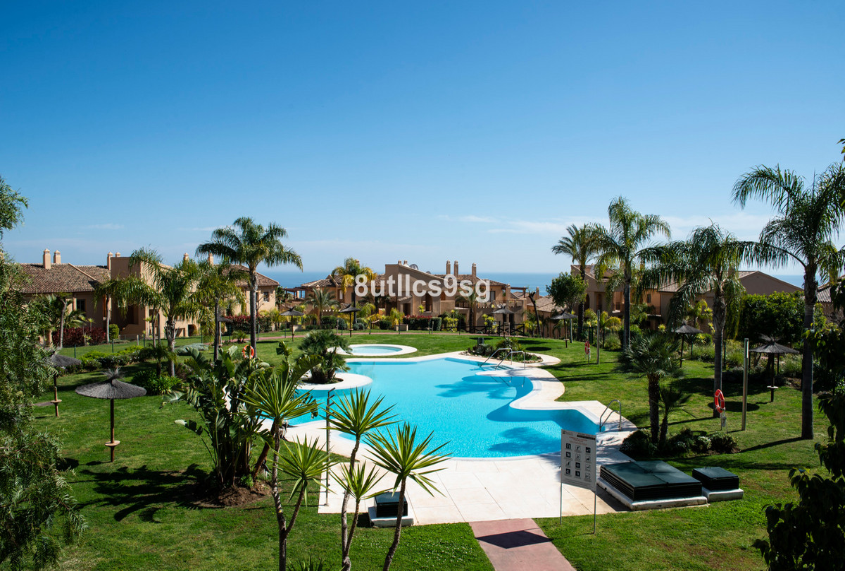 Apartamento Planta Media en Venta en Benahavís – R3583549