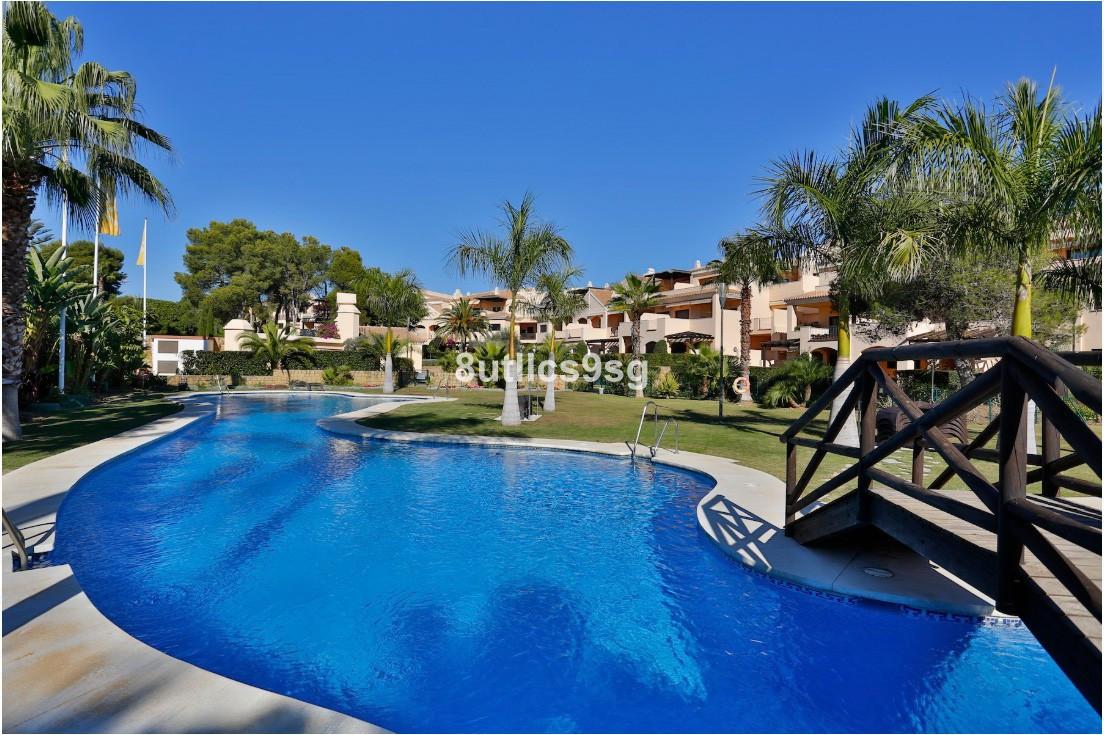 Marbella Banus Apartamento en Venta en Puerto Banús – R3574285
