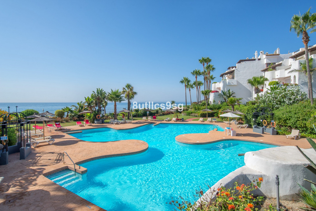 Apartment Ground Floor Puerto Banús Málaga Costa del Sol R3545329