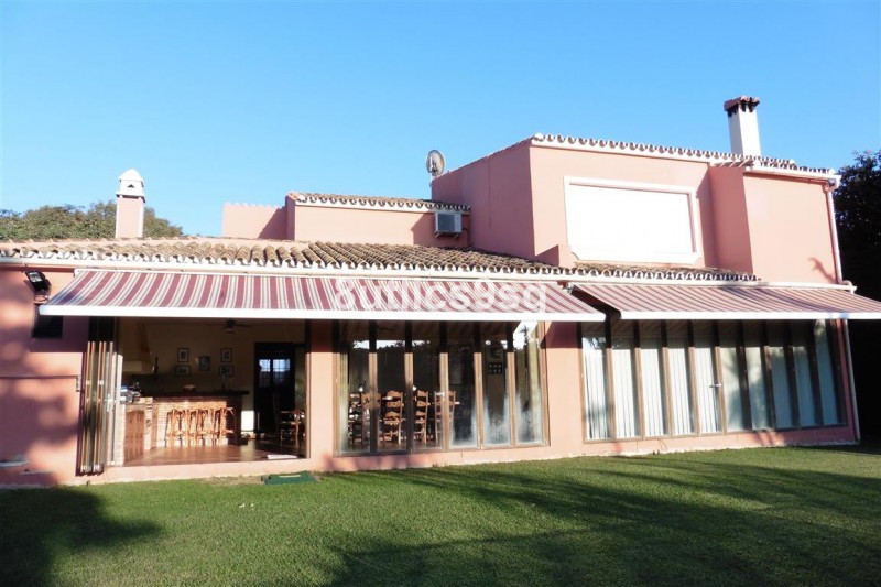 Three bedroom villa with a charming Andalusian flavor, a few meters from the beach in the area of Li,Spain