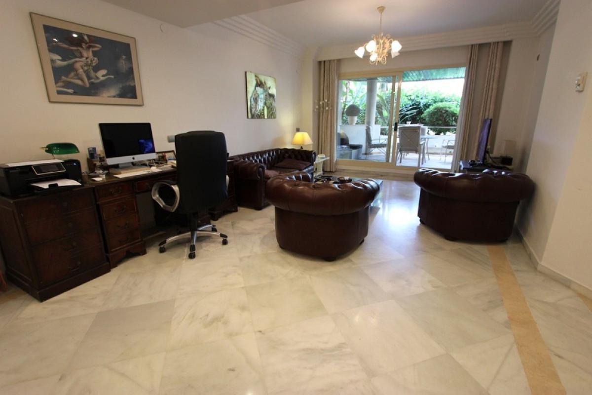 Apartamento Planta Baja en Aloha
