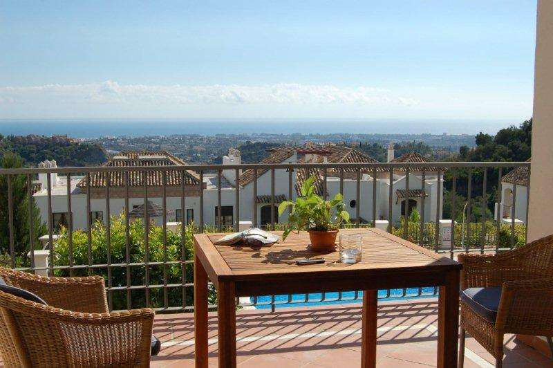 A very attractive two bedroom apartment that enjoys lovely sea views from it's privileged posit, Spain