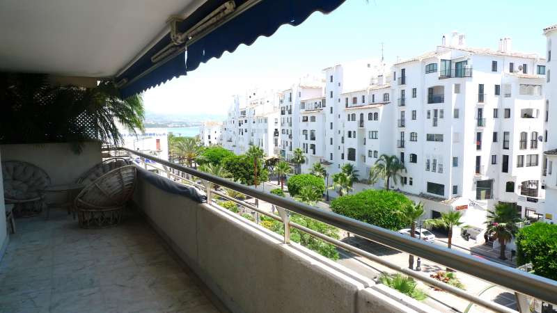 Well located 3 bedrooms apartment in Puerto Banus inside a gated complex with communal swimming pool,Spain