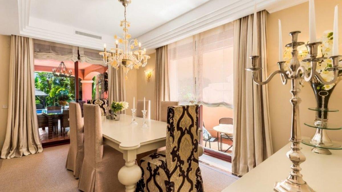 5 Bedroom Villa For Sale, Nueva Andalucía