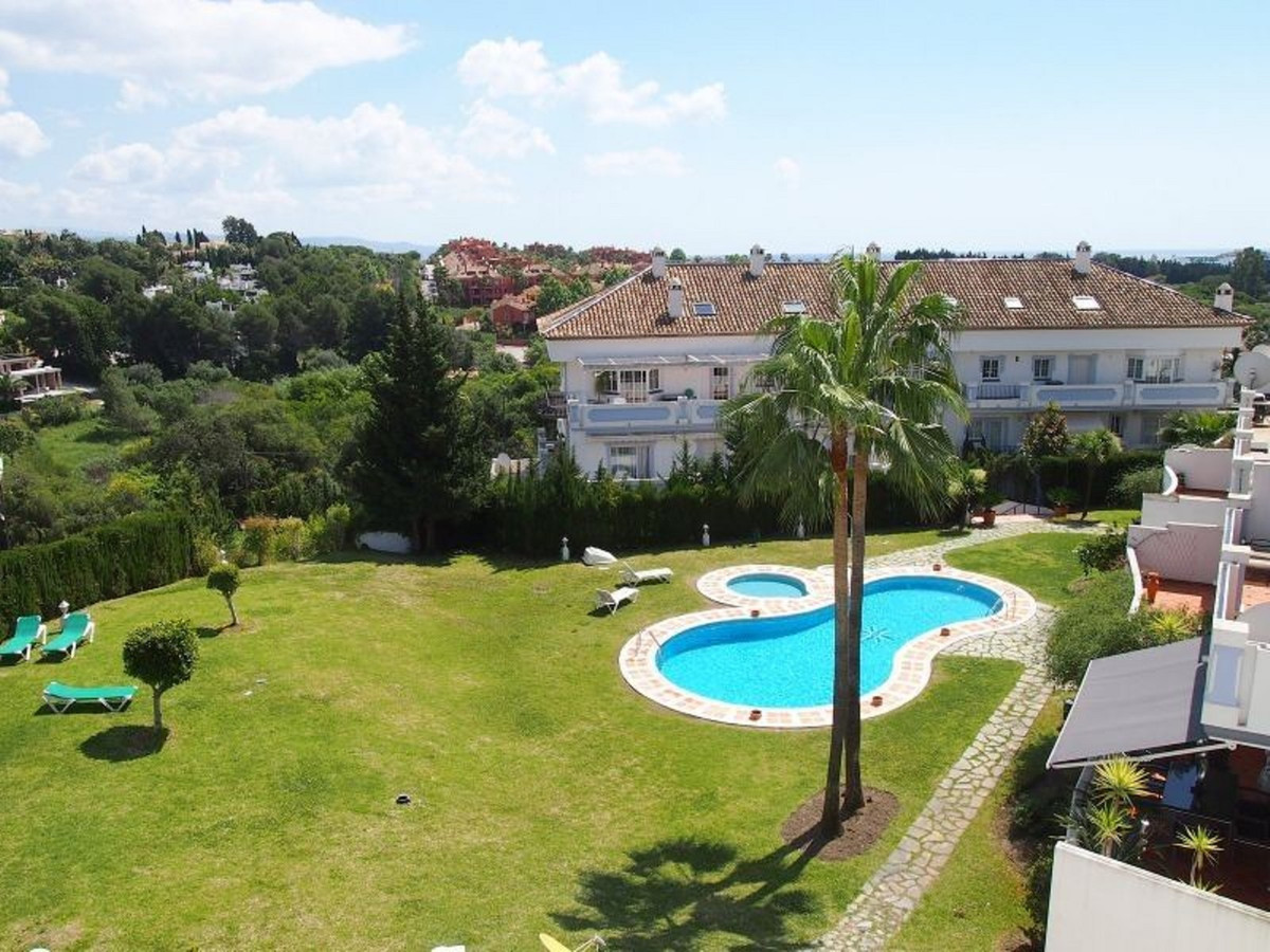 2 bedroom corner apartment located in gated complex Las Lolas in the most popular area of Nueva Anda, Spain