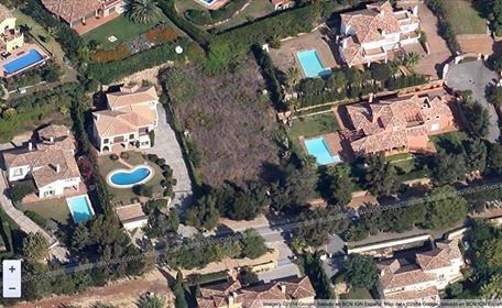 Plot in Sotogrande Alto