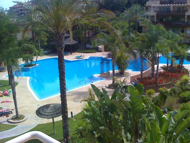 Beautiful 3 bedrooms 3 bathrooms apartment for sale close to Incosol Hotel in Urb. Golf Gardens, off,Spain