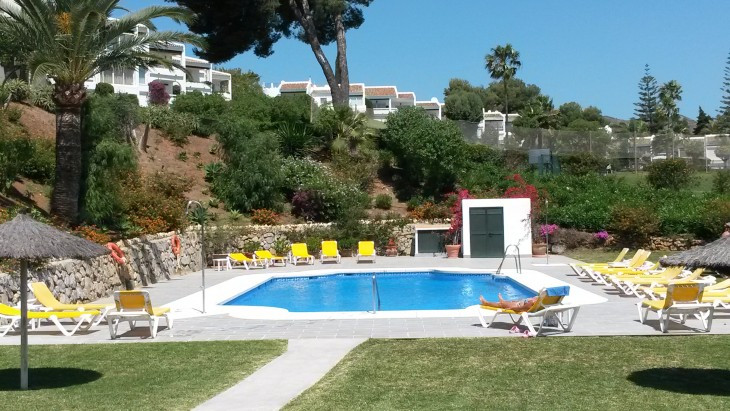Fantastic apartment in the sought after location of Aloha. Gated community with parking within the w, Spain
