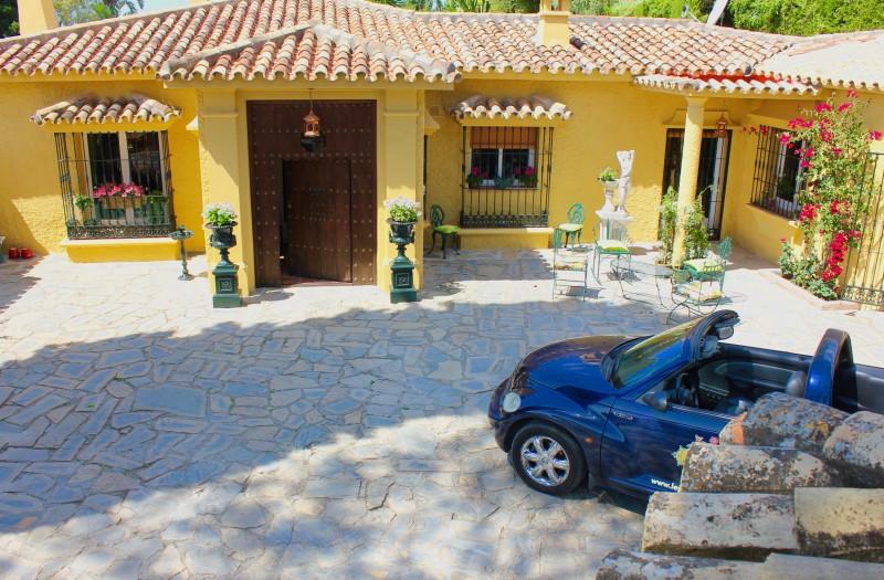 Villa 5 Dormitorios en Venta Benahavís