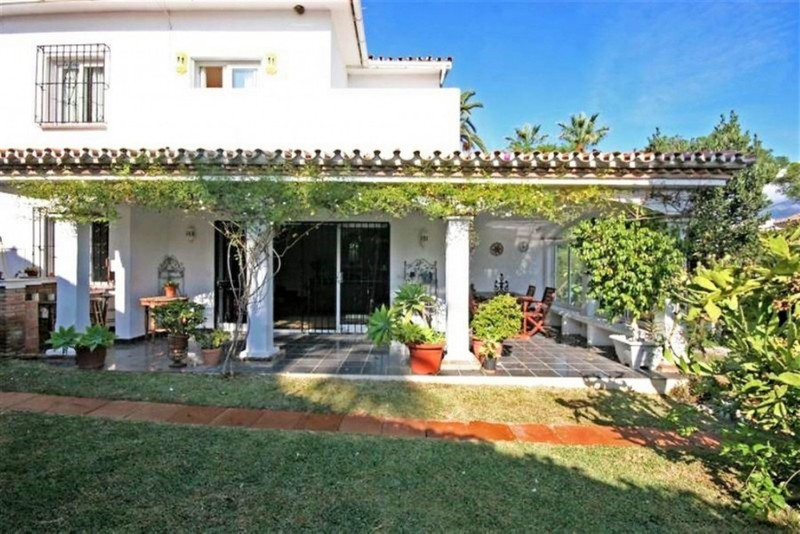 Villas for sale Nueva Andalucia 13
