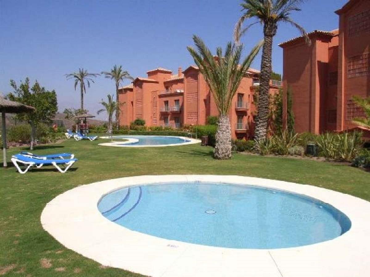 Apartamento Planta Baja en Venta en Los Flamingos – R3501625