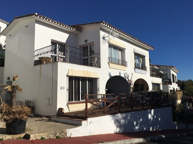 Townhouse in Istan
