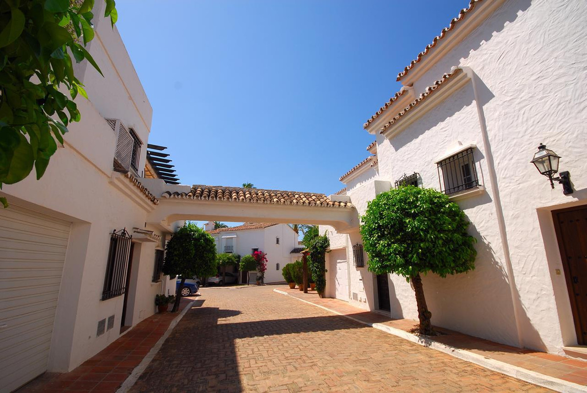 Townhouse in Las Brisas
