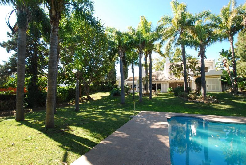 This charming villa is located in the exclusive urbanization Rio Real, in Los Monteros area, within , Spain