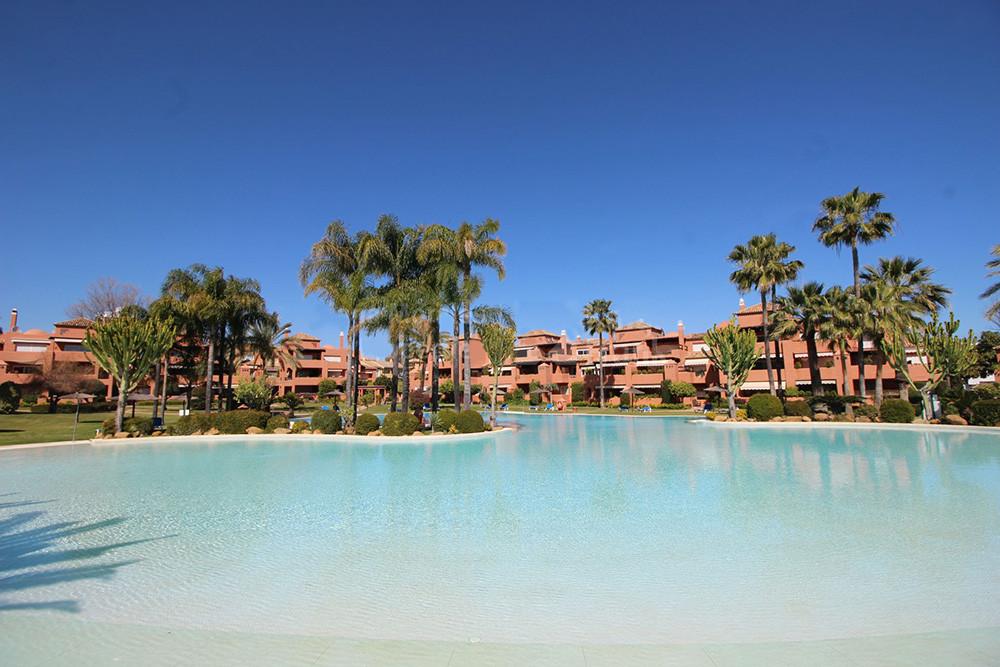 Marbella Banus Apartamento en Venta en Guadalmina Baja – R3157609