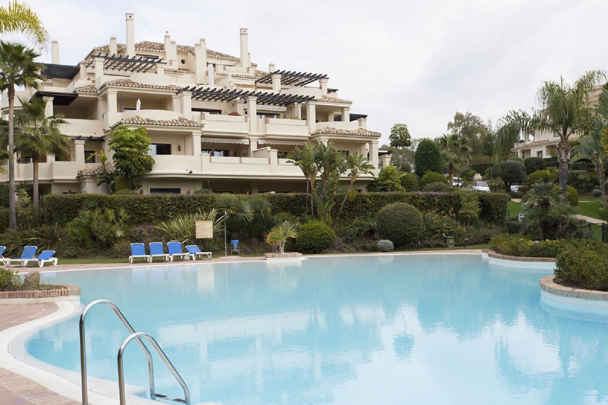 2 bedroom apartment for sale benahavis