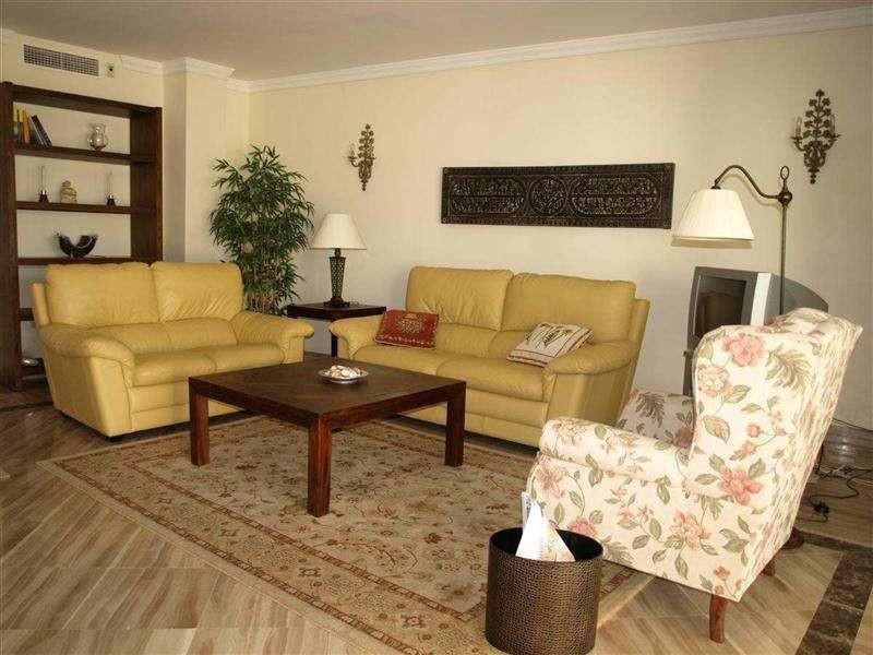 Apartamento en Venta en Bahía de Marbella – R2429159