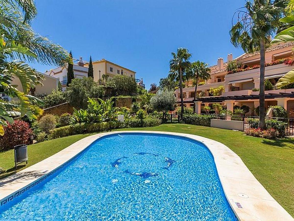 Marbella Banus Apartamento Planta Baja en Venta en Nueva Andalucía – R3351367