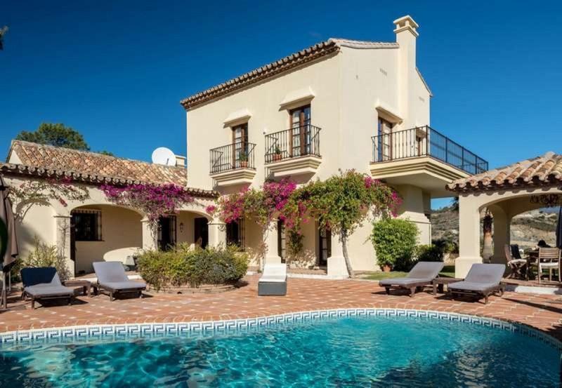 Villa – Chalet en venta en La Quinta – R3458278
