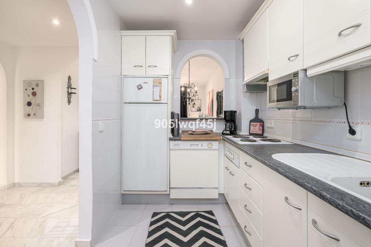 Apartamento en Venta en Calahonda – R3920680
