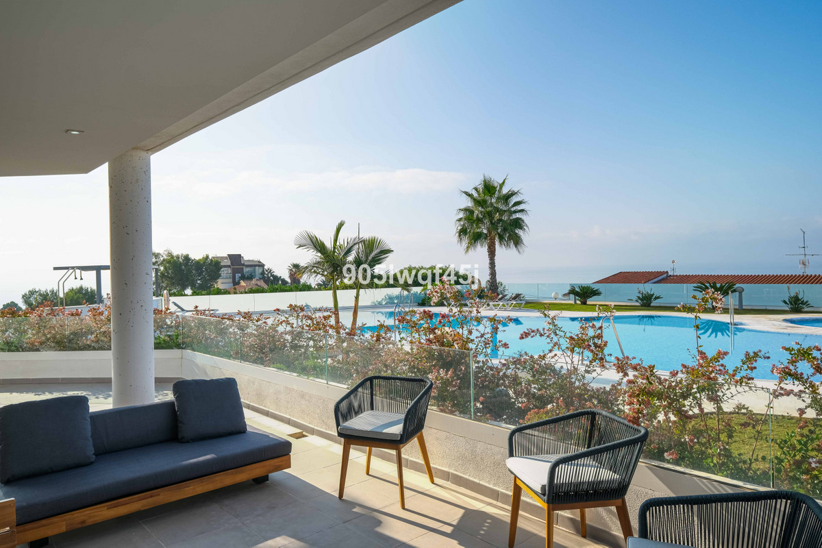 If you would love to live in a new build property, then this is perfect! Beautiful apartment with am,Spain