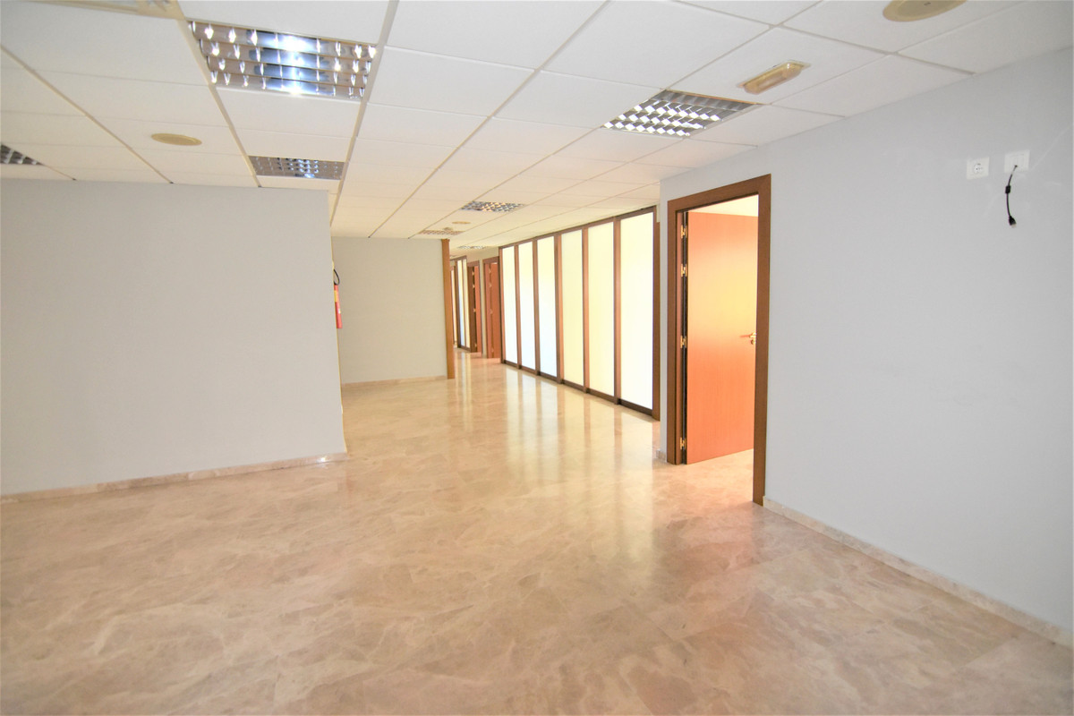 SPECTACULAR offices in the CENTER of Torremolinos. 350 m2 with 9 offices of different sizes, all wit, Spain