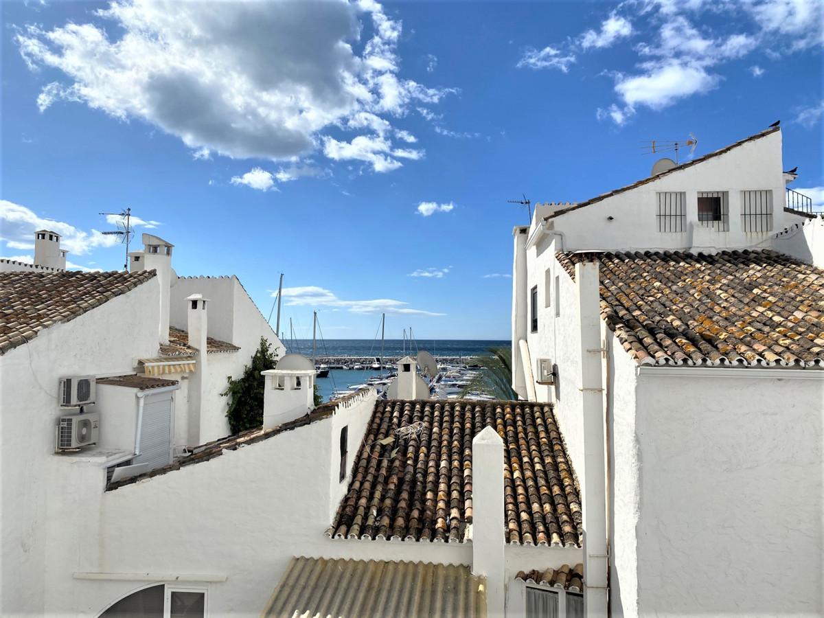 Marbella Banus Apartamento Planta Media en venta en Puerto Banús – R3650399