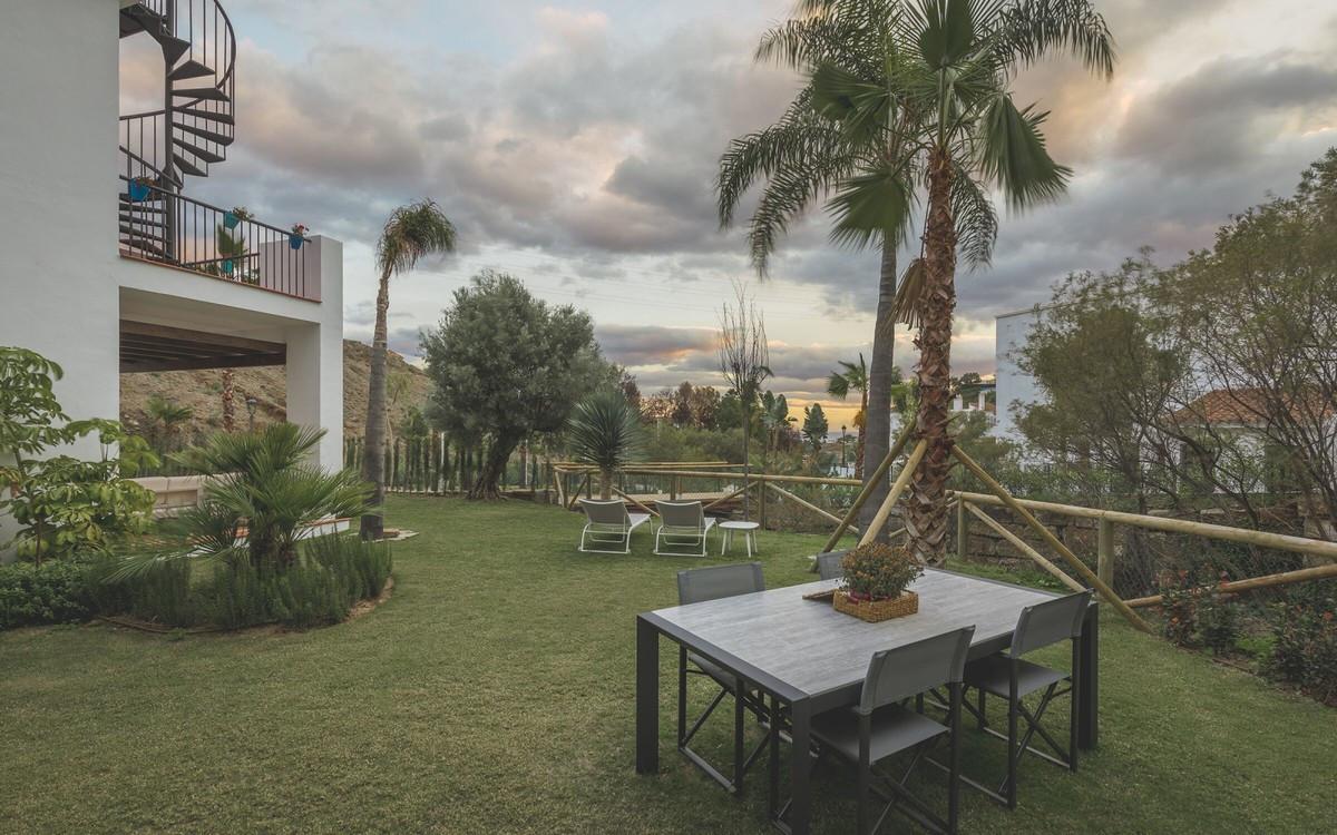 Apartamento Planta Baja en Venta en El Paraiso – R3612188