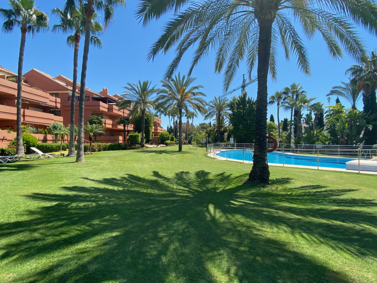 This south facing apartment is located in the elegant complex of Embrujo Playa. It comprises of larg,Spain