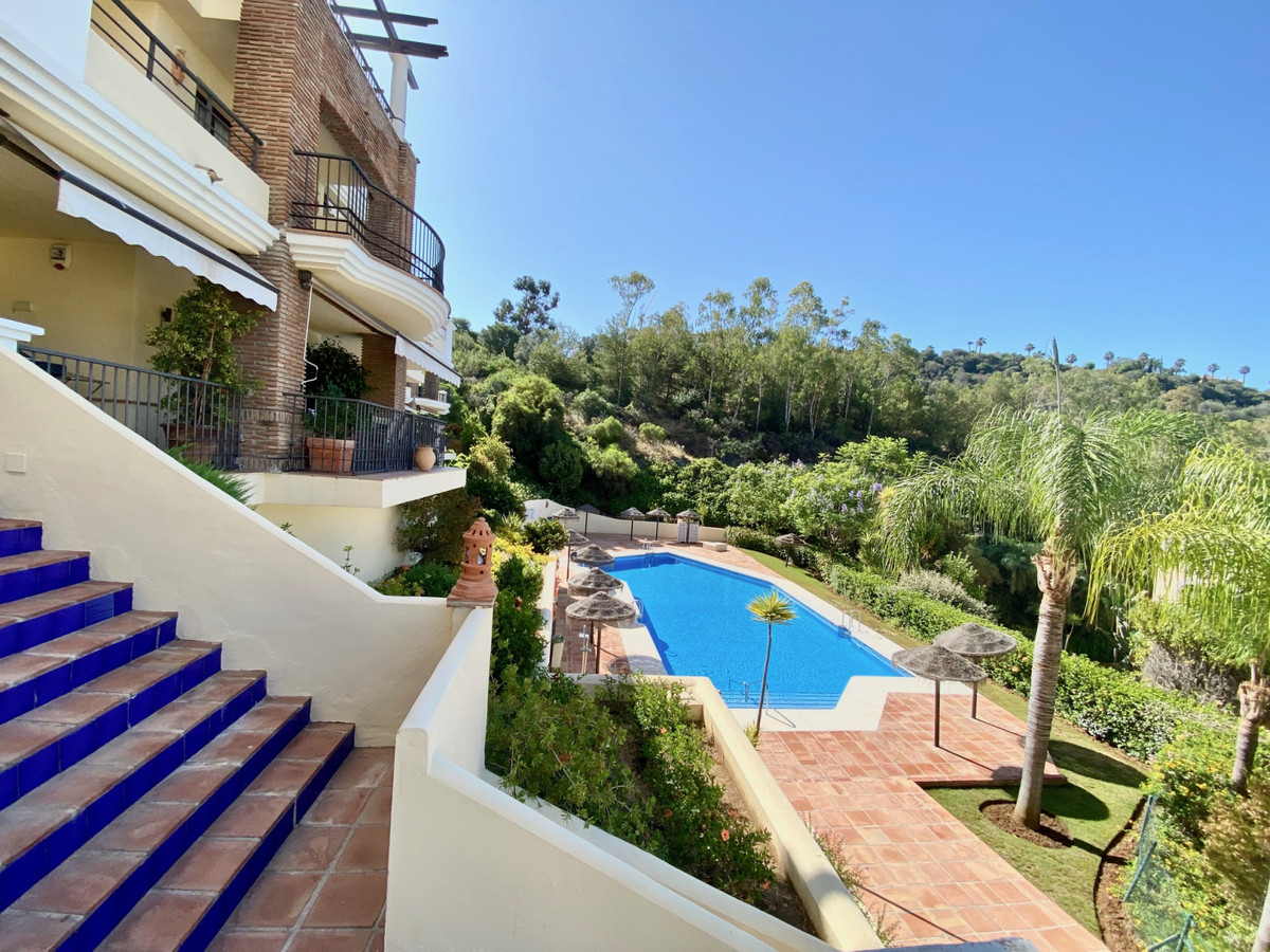 This southfacing 2 bedroom apartment is situated in the prestigous Los Arqueros Golf and Country Clu, Spain