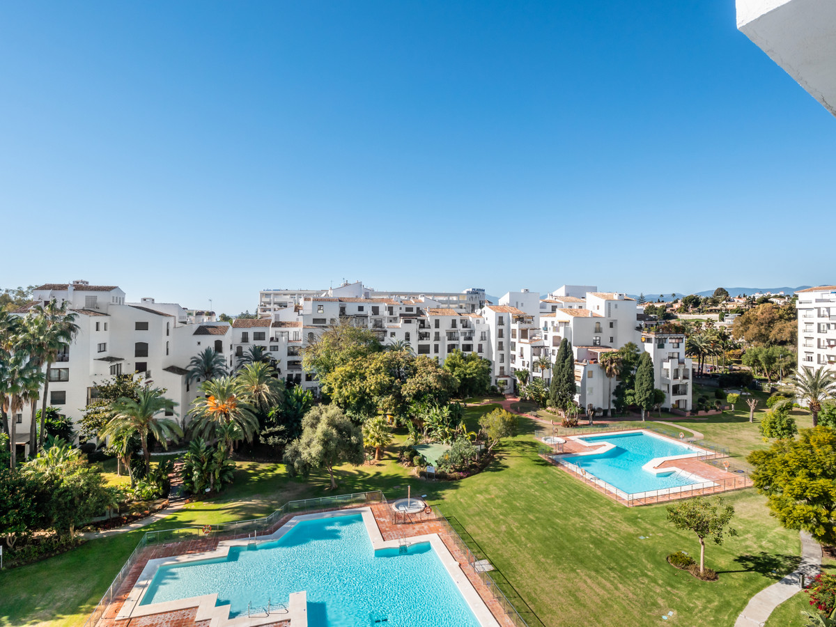 Perfect holiday location!  Spacious 3 bedroom apartment in Jardines del Puerto, a gated community wi, Spain