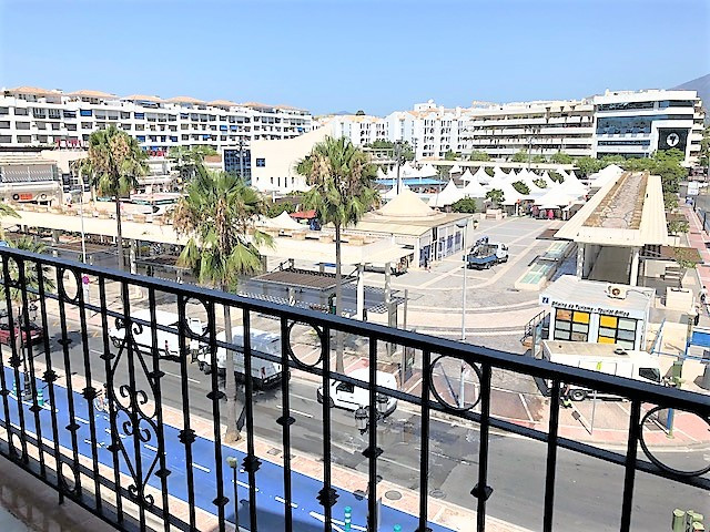 Spacious apartment located in the marina of Puerto Banus, next to all luxury amenitties and the beac,Spain