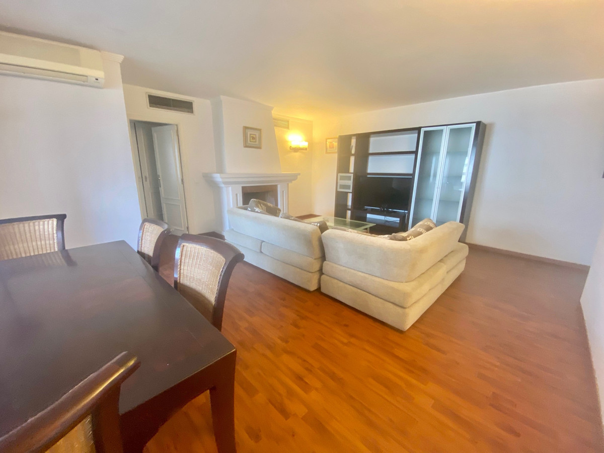 This apartment is situated in the center of Puerto Banus next to all the shops and restaurants. The ,Spain