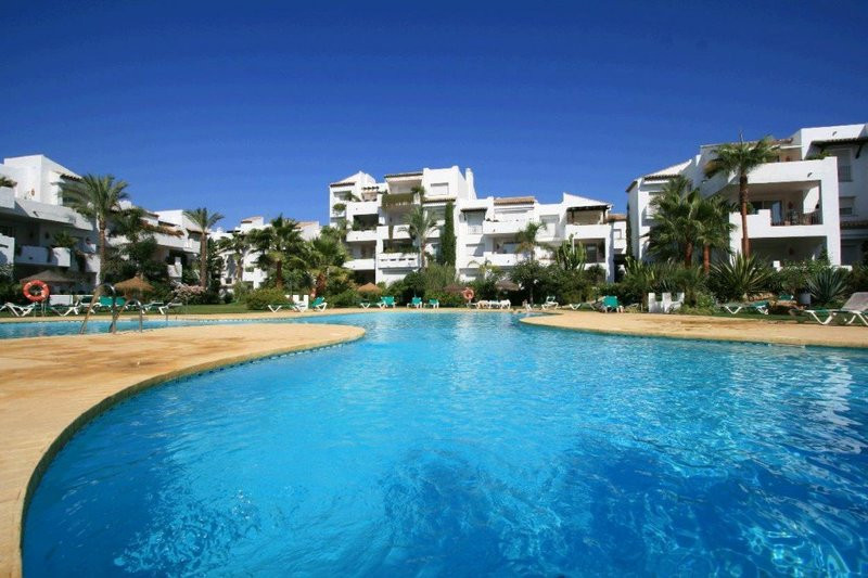 Fantastic townhouse on the beachside of Costalita. This tastefully decorated townhouse is located in,Spain