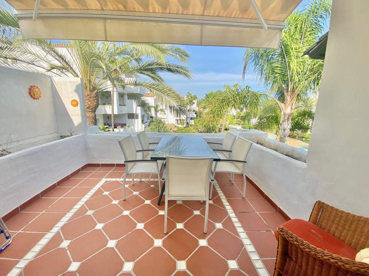 EXCELLENT TOP FLOOR  APARTMENT FOR RENT IN THE NEW GOLDEN MILE  This large southeast facing top floo,Spain