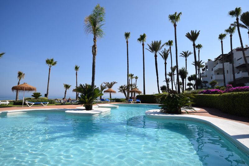 PROPERTY FOR SALE ALCAZABA BEACH (Estepona) 5
