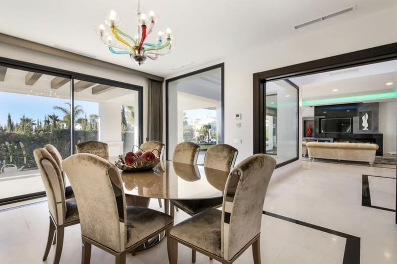 Se vende Villa – Chalet, Sierra Blanca – R3001193