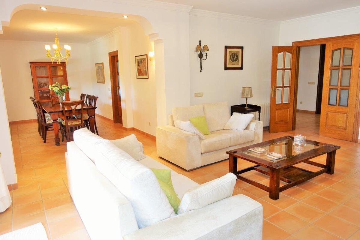 Villa – Chalet en Venta en Cortijo Blanco – R2922308