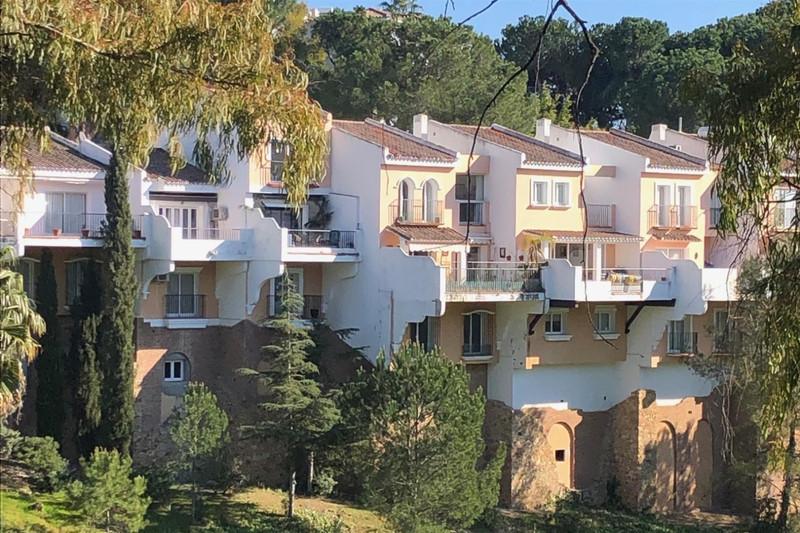 Marbella Banus Adosada en venta en La Quinta – R3376399