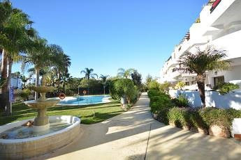 Marbella Banus Apartamento en Venta en Costalita – R2819717