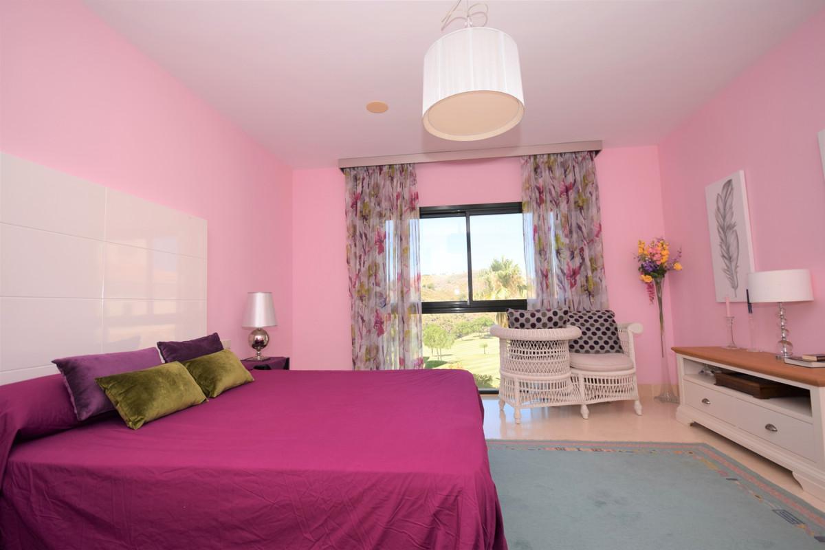 Apartamento con 4 Dormitorios en Venta Benahavís