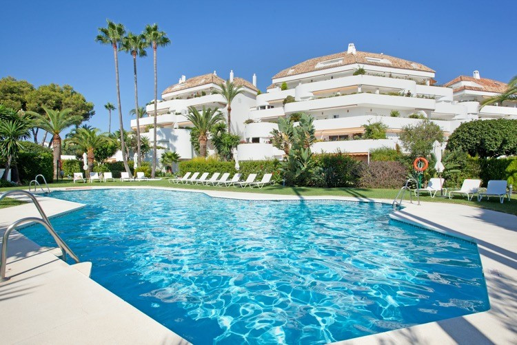 Charming penthouse located in a prestigious development in the heart of the Golden Mile of Marbella,,Spain