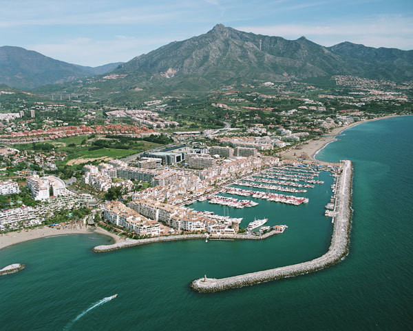 Commercial property For sale In Puerto banús - Space Marbella
