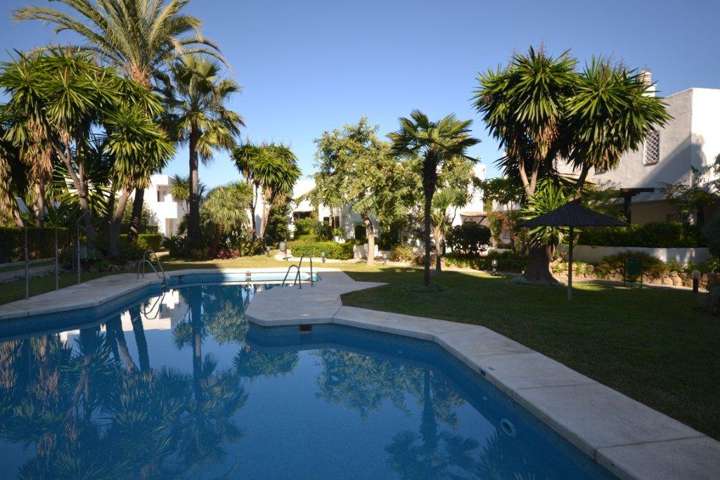 Ground Floor Apartment for sale in Nueva Andalucia - Nueva Andalucia Ground Floor Apartment - TMRO-R487069