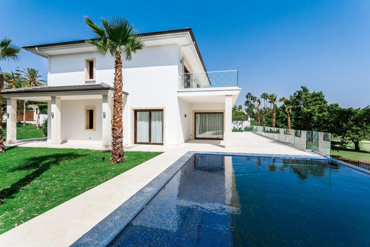 Marbella Banus Villa – Chalet en Venta en Nueva Andalucía – R2979956