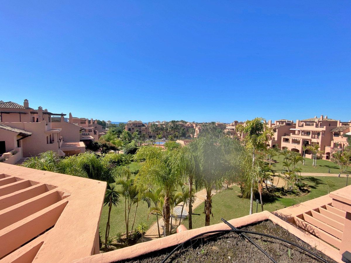 Beautiful three bedrooms duplex penthouse located in the 24-hour security and gated urbanization of ,Spain