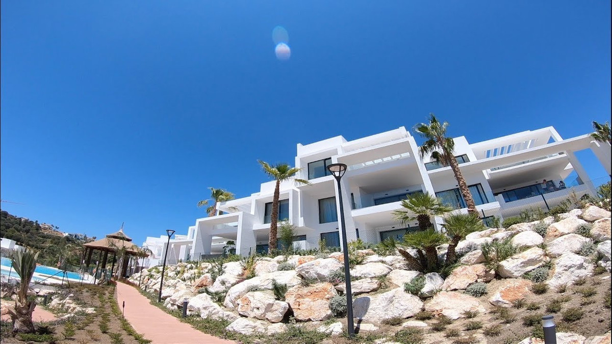 Sought after development in Atalaya - this bright and airy 2 bedroom penthouse with huge rooftop ter,Spain