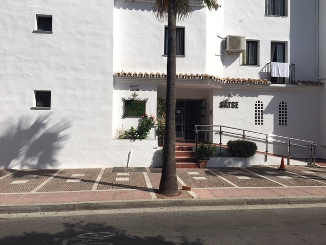 R3226189: Commercial for sale in Puerto Banús