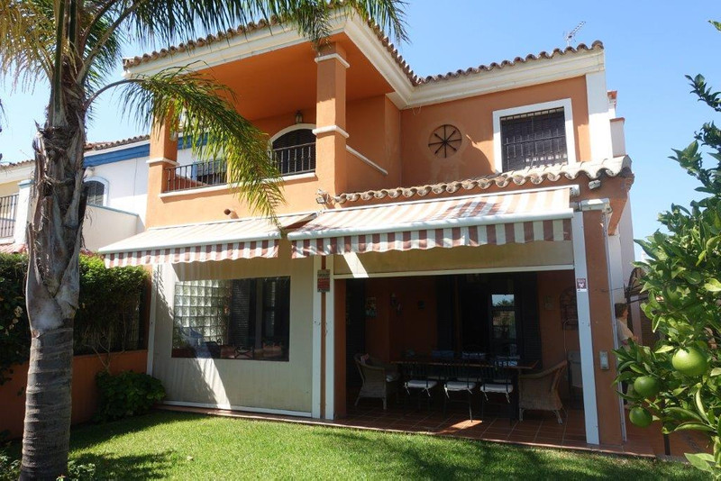 Townhouses for sale in Guadalmina 27